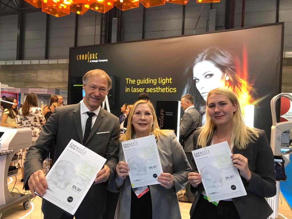 Wendy Lewis unterstützt Michael und Emily bei der Promotion für den 5CC 2020.